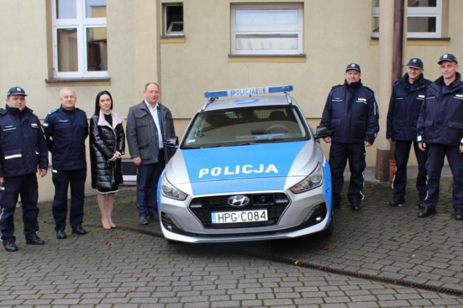 Kęccy policjanci dostali nowy radiowóz