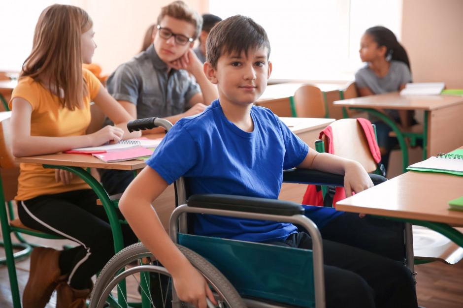 Nowe przepisy o dowozie dzieci niepełnosprawnych do szkół