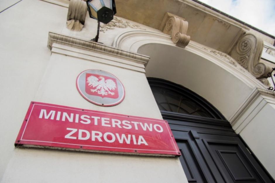 Ministerstwo chce odpowiedzialności samorządów za długi szpitali. Mimo wyroku Trybunału