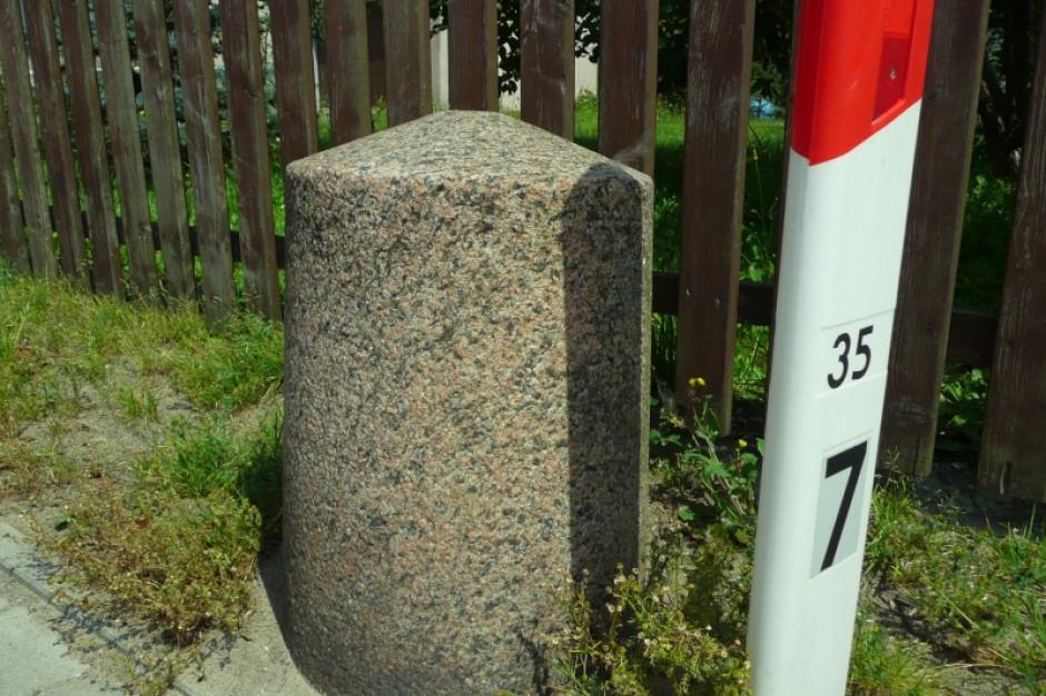 Warmińsko-Mazurskie:  Przy zabytkach drogownictwa ustawiono tablice informacyjne