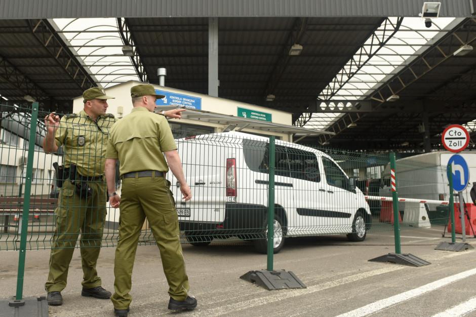 O północy zamknięcie granic, dla wracających Polaków obowiązek kwarantanny