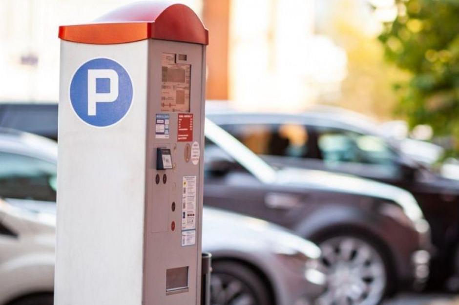 Kary za parkowanie coraz bardziej dotkliwe. Opłaty ostro w górę