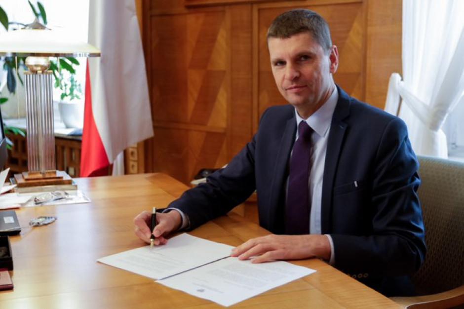 Minister edukacji w Dniu Wolontariusza: szkoła ma nie tylko uczyć, ale i wychowywać