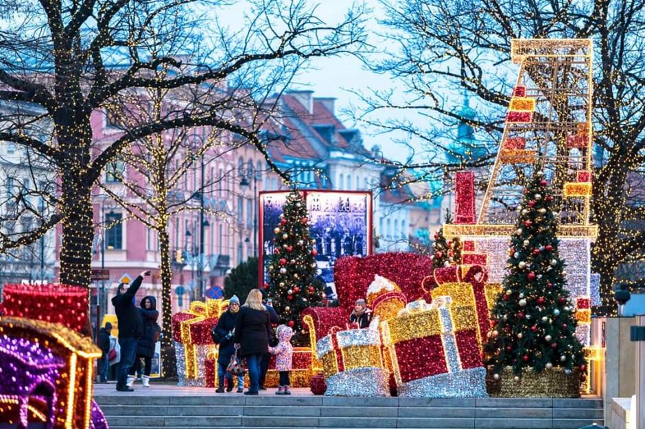 Warszawa: Pożar na świątecznym jarmarku na Starym Mieście