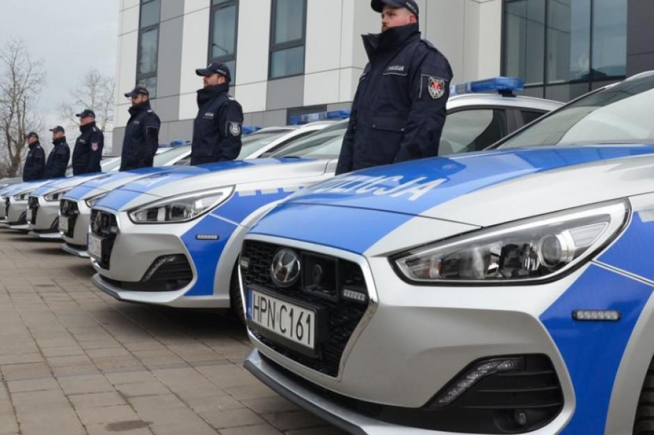 Gdańsk: Siedem nowych radiowozów dla Komendy Miejskiej Policji