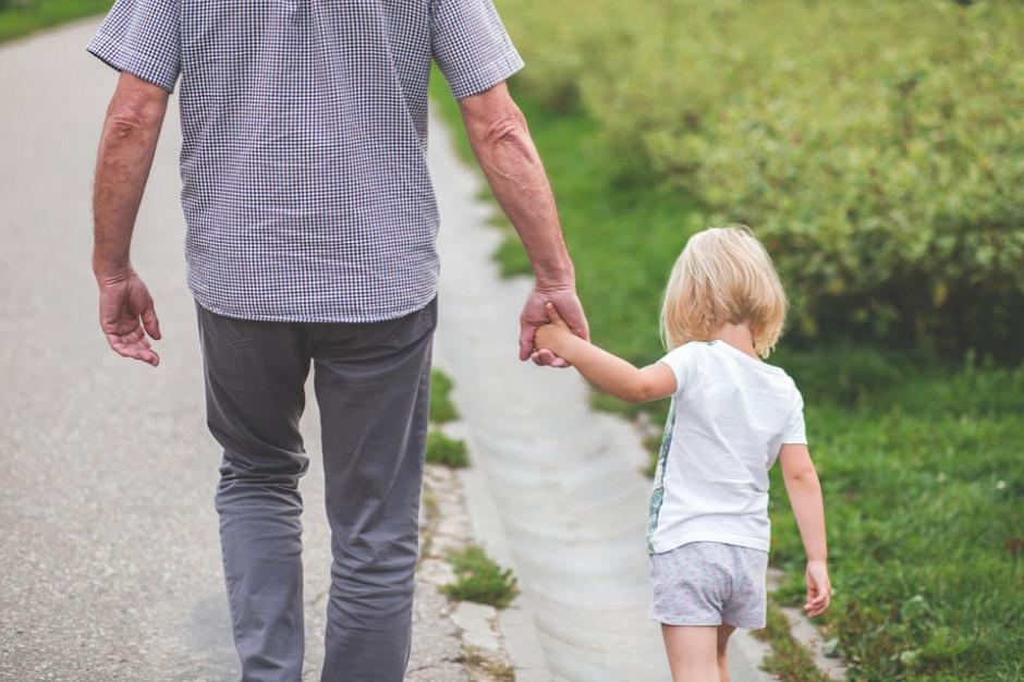 NIK: Powiaty mają problem z rodzinami zastępczymi i pogotowiami opiekuńczymi