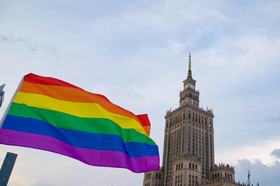 Siedem milionów złotych otrzymały organizacje LGBT od warszawskiego ratusza