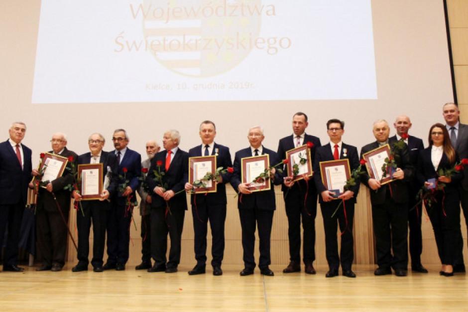 Odznaka Honorowa Województwa Świętokrzyskiego dla Krzysztofa Lipca i Mariusza Olszewskiego
