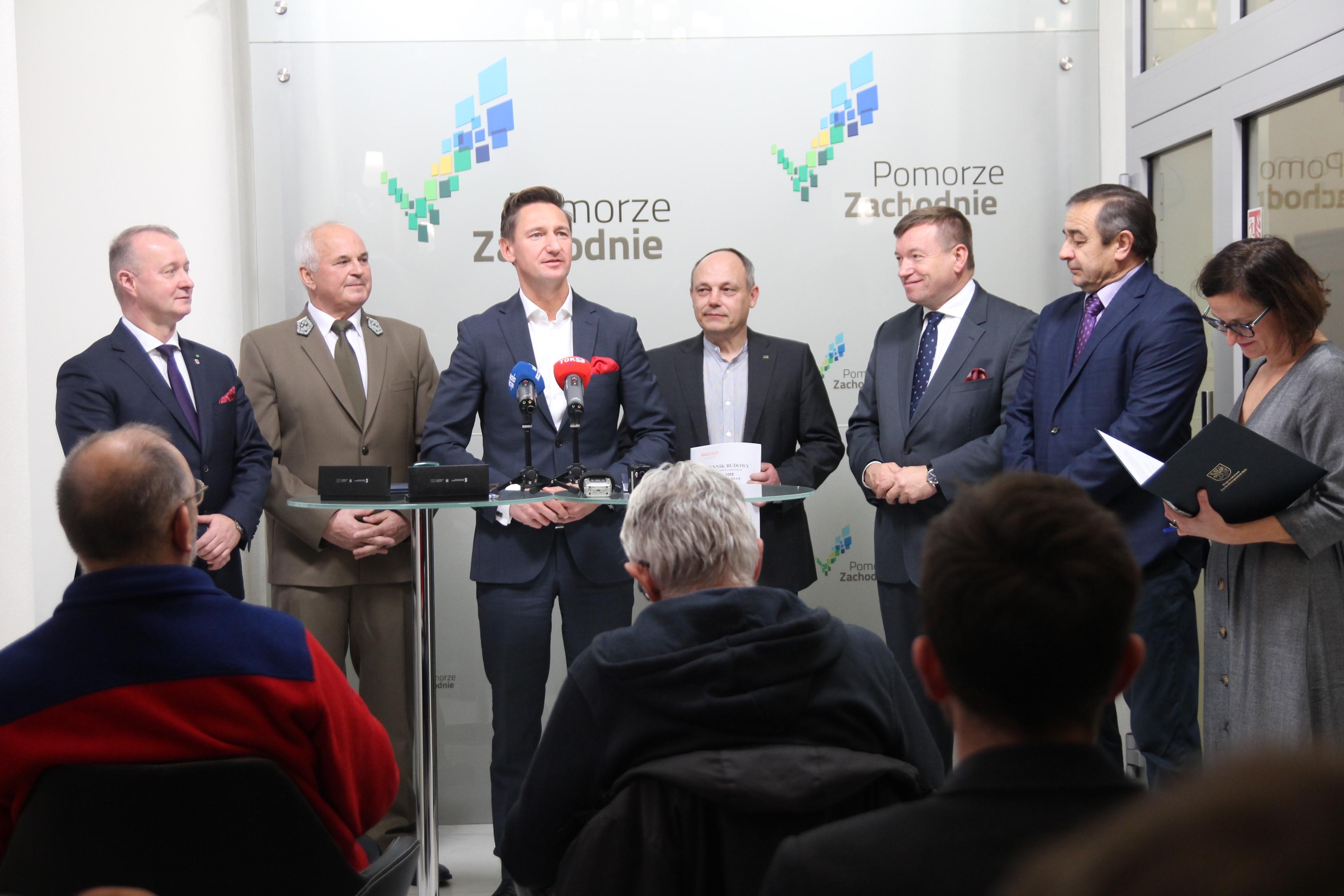 Uroczystość podpisania umowy z wykonawcą(fot. UMWZ)