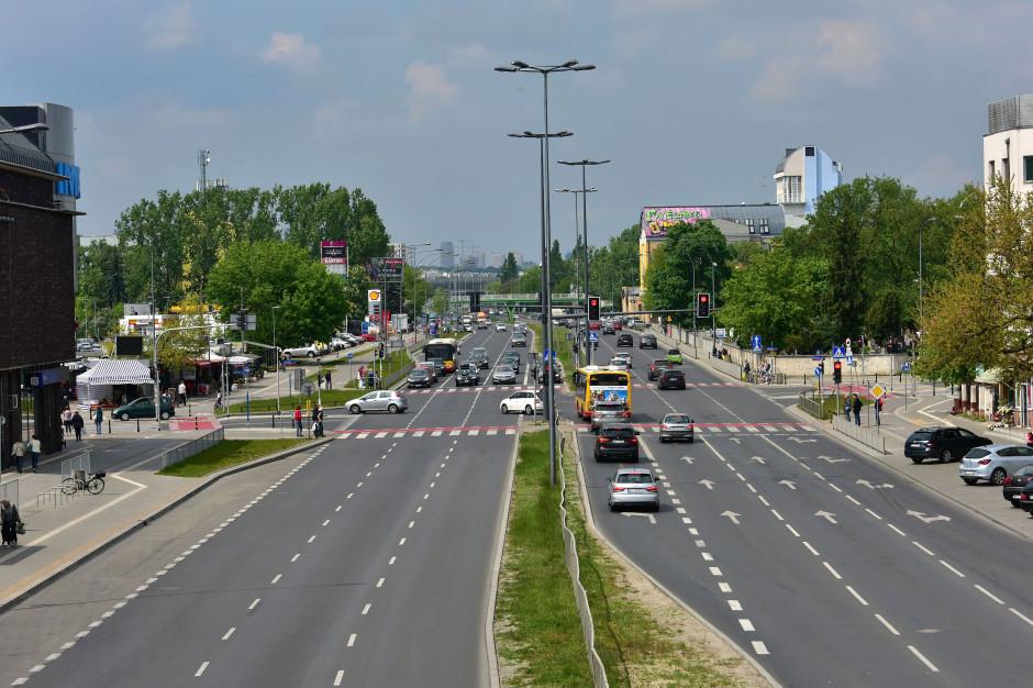 Warszawa: Awaria rurociągu nie uszkodziła konstrukcji jezdni