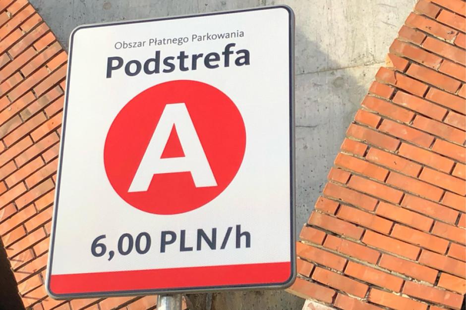 W krakowskiej strefie parkowanie jest już droższe. Podobnie będzie w częstochowskiej?