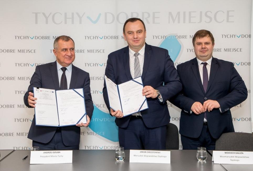 Na mocy podpisanej we wtorek (17 grudnia) umowy, Tychy dostaną o 24 mln więcej dofinansowania (fot. Tomasz Żak/UMWS)