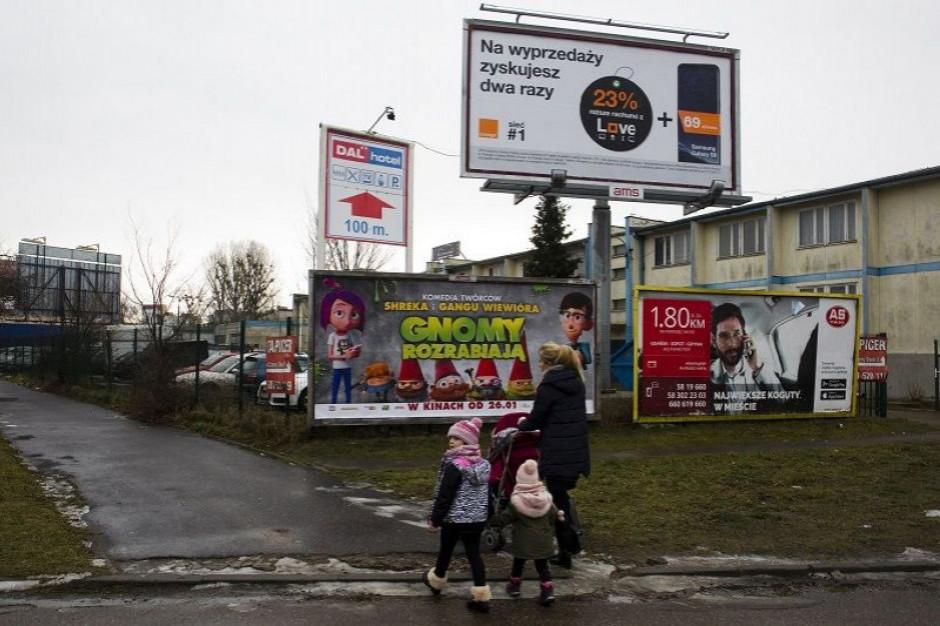 Kolejne miasto chce walczyć ze szpetnymi reklamami