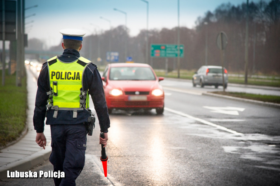 Zwiększone kontrole policyjne na drogach w całej Polsce