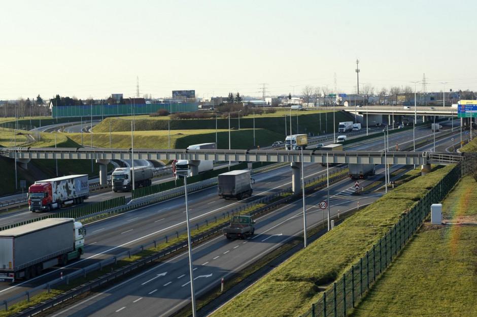 Kierowcy mogą już korzystać z trzech pasów w obu kierunkach na obwodnicy Poznania