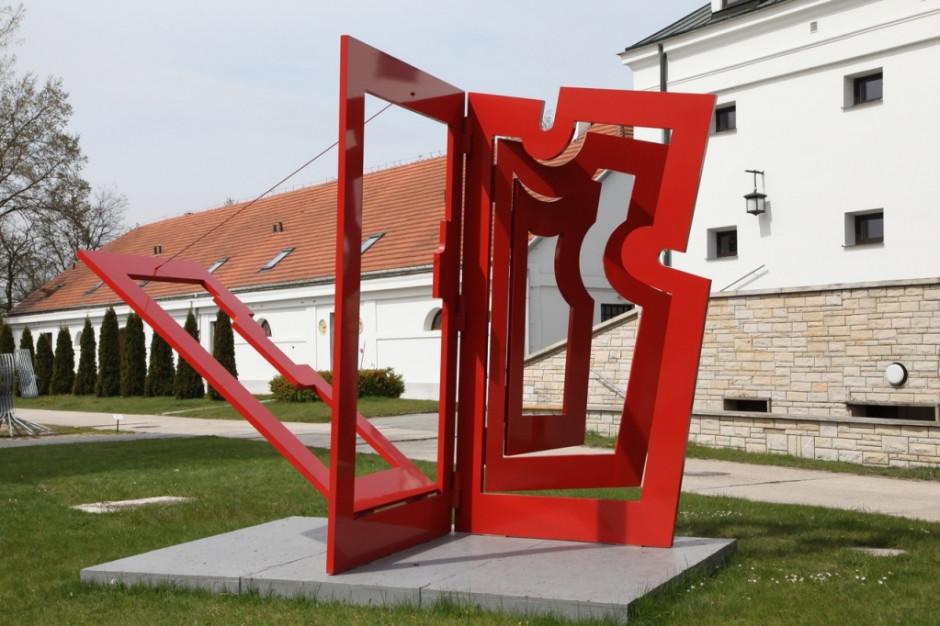 W 2020 r. w Orońsku – wystawy Hasiora i Johanssona