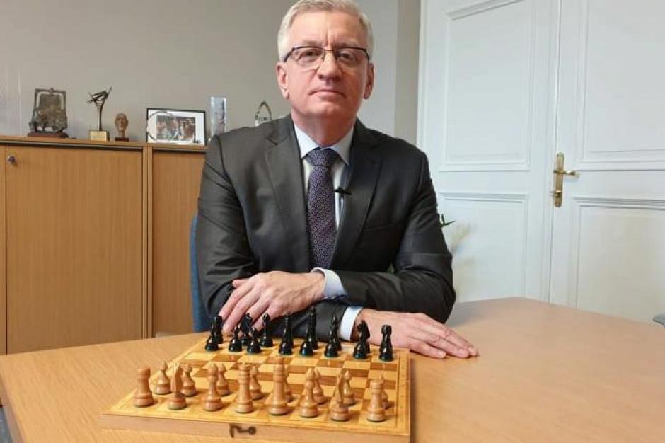 Partia w szachy z prezydentem Poznania? Jacek Jaśkowiak włącza się w WOŚP