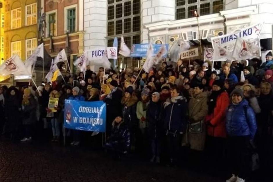 Nauczyciele nie odpuszczają. Kolejna pikieta już 8 stycznia w Katowicach