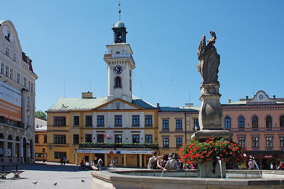Śląskie: Cieszyn wyremontuje w tym roku wieżę zabytkowego ratusza