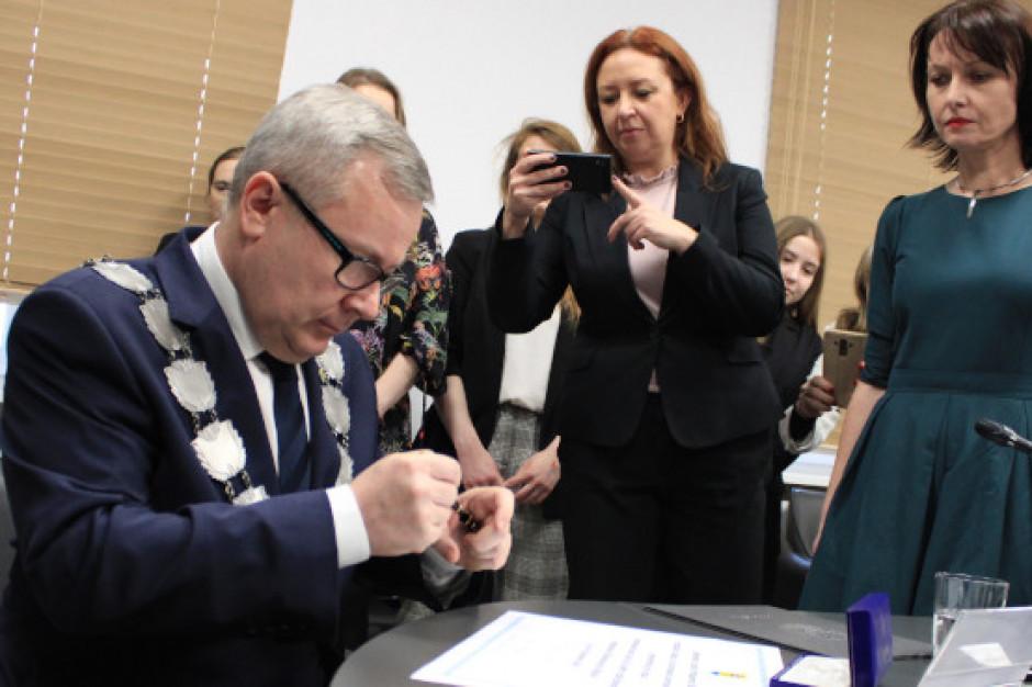 Jacek Milewski złożył ślubowanie na prezydenta Nowej Soli. Podziękował komisarzowi i jednemu z rywali