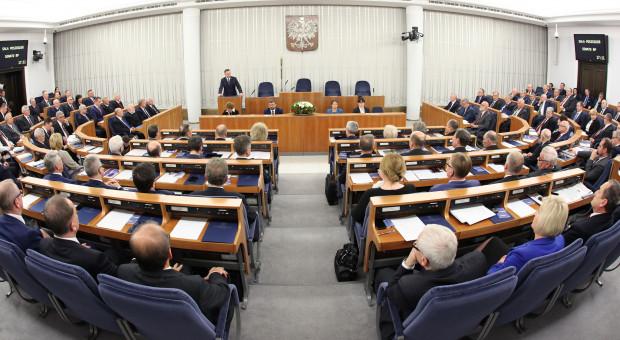 Senat usunął z tarczy antykryzysowej zmiany w Kodeksie wyborczym i ustawie o RDS