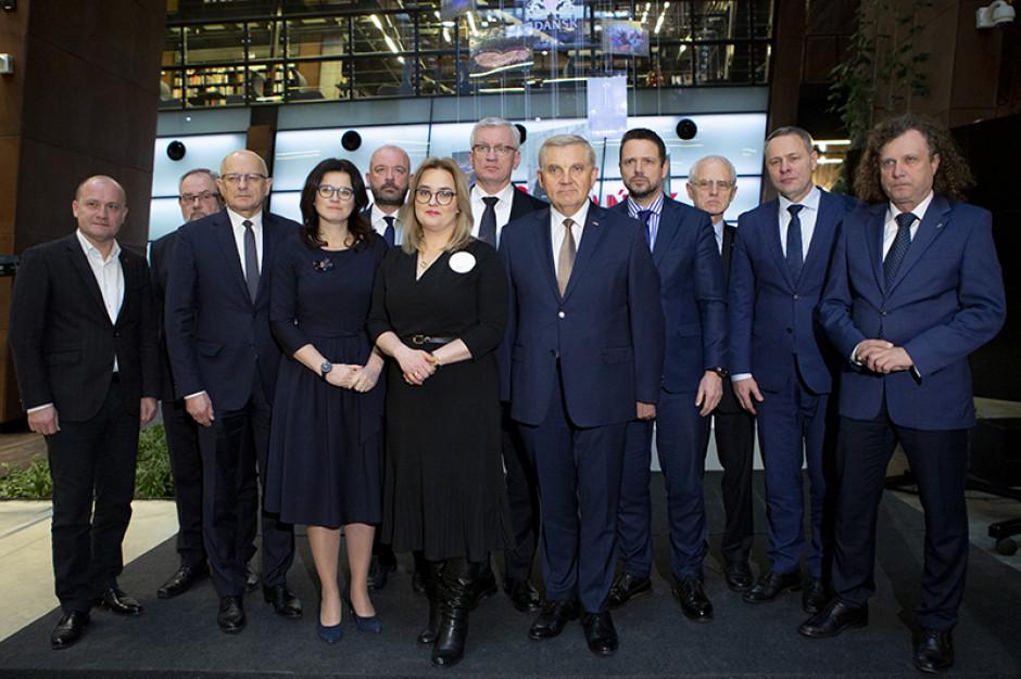 Gdańsk: Samorządowcy uczcili pamięć prezydenta Pawła Adamowicza