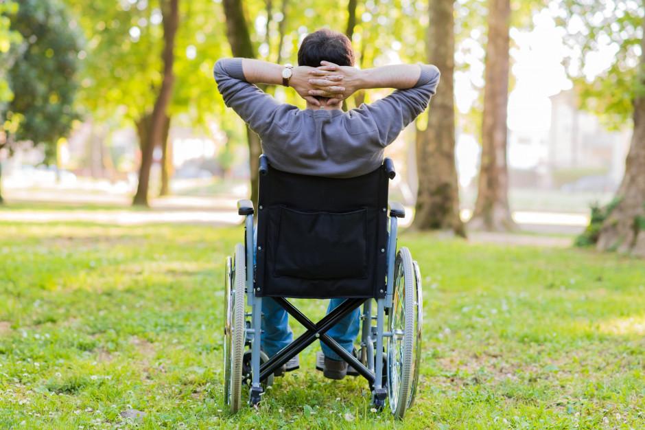 Wdówik: Dzięki ustawom o dostępności niepełnosprawni czują się mniej wykluczeni