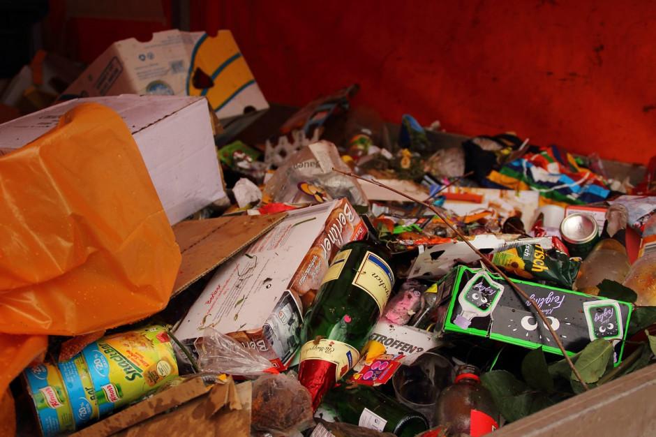 Senat chce kolejnych zmian w ustawie dotyczącej Bazy Danych Odpadowych