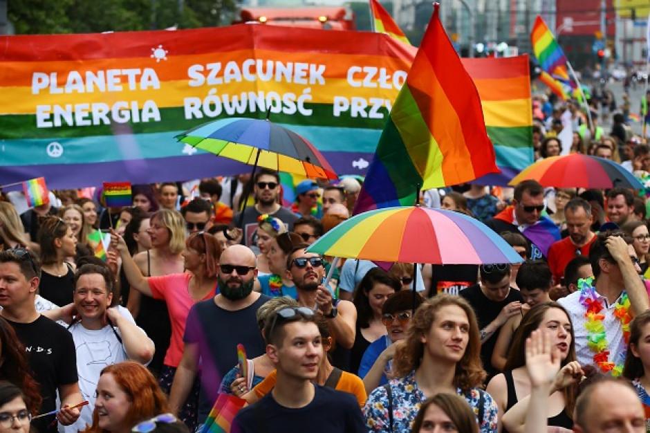 Wszystkie polskie samorządy dostały pisma od Kampanii Przeciw Homofobii