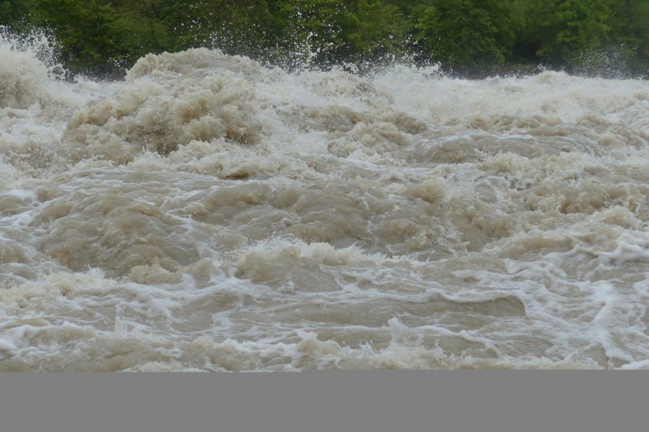 Podkarpackie: Ruszyła modernizacja wału przeciwpowodziowego Sanu