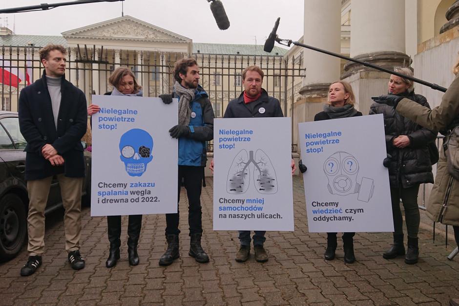 """Warszawskie organizacje apelują ws. smogu: """"Działania miasta są niewystarczające"""""""