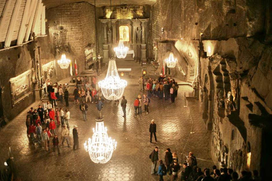 Coraz więcej turystów odwiedza Kopalnię Soli w Wieliczce