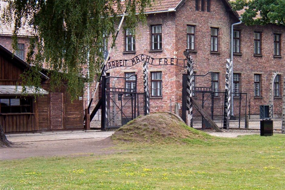 RPO: 75 lat temu wyzwolono Auschwitz-Birkenau - symbol zła, cierpienia i śmierci