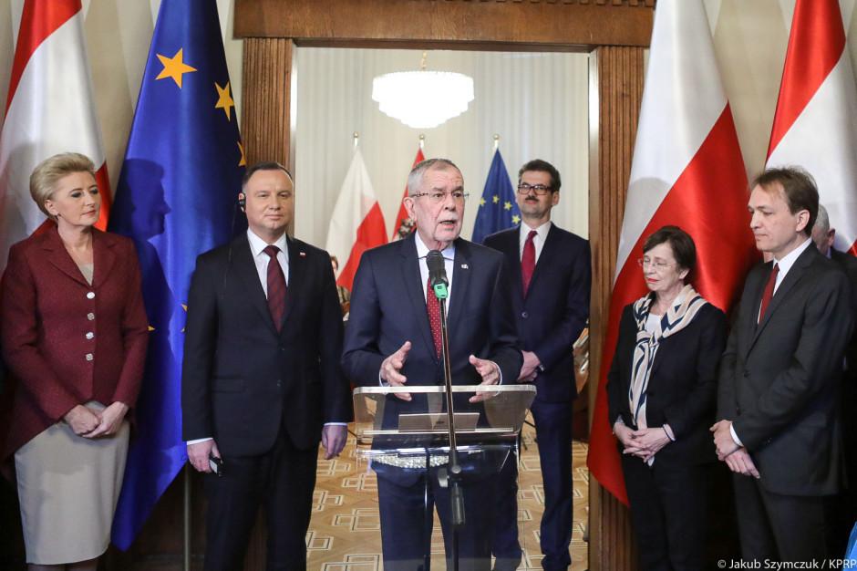 Prezydent Austrii: Auschwitz nie spadło jak grom z jasnego nieba