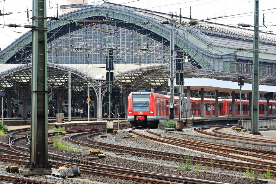 Sejmowa komisja przyjęła projekt noweli ustawy o transporcie kolejowym