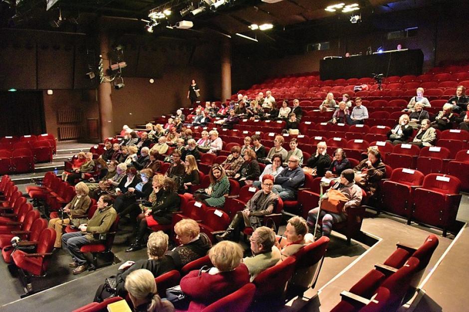Komplikuje się spór o siedziby warszawskich teatrów