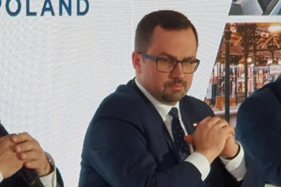 Horała: Są pierwsze firmy, które chcą sfinansować budowę CPK