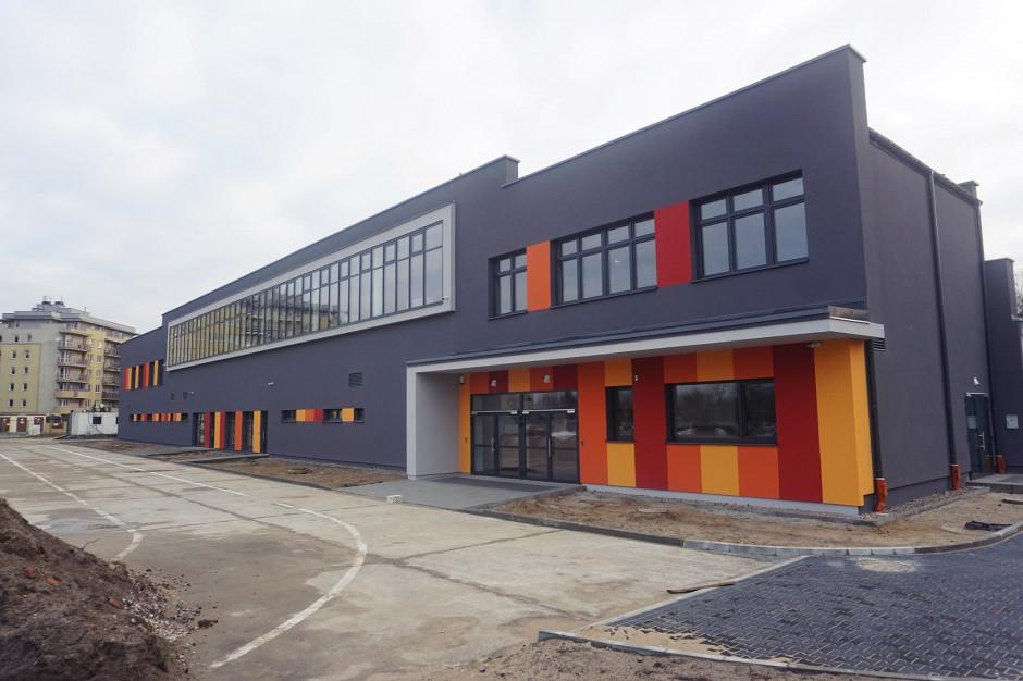 Rozbudowali halę sportową na warszawskim Bemowie. Jest większa widownia