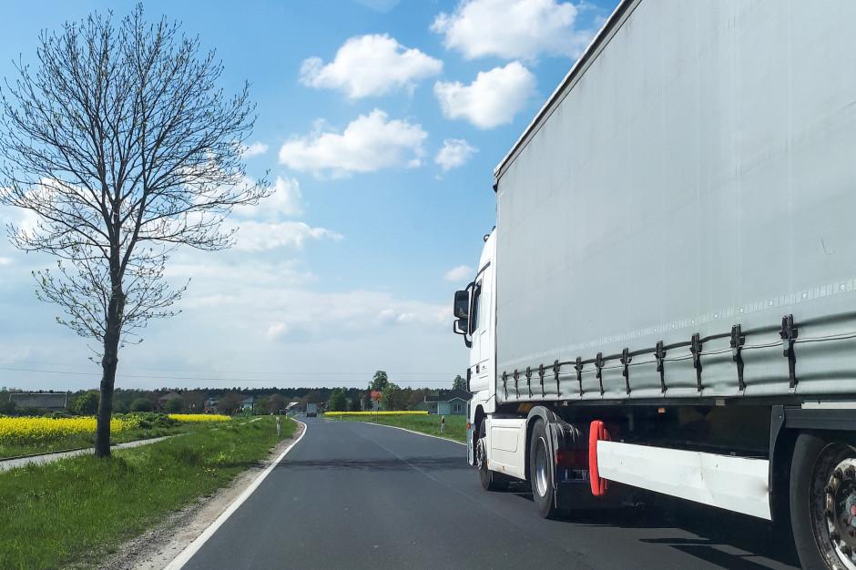 Tiry na drogach lokalnych. Ministerstwo Infrastruktury idzie z pomocą samorządom