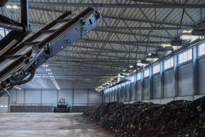 Hermetyczna kompostownia ma łączną kubaturę 80 tys. metrów sześciennych. Zajmuje powierzchnię 1,3 hektara (fot. gdansk.pl / Dominik Paszliński)