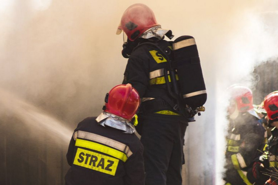 Gliwice: Pożar hali na terenie kolejowych zakładów naprawczych