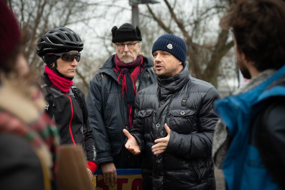 Po protestach mieszkańców Rafał Trzaskowski wstrzymuje wycinkę drzew