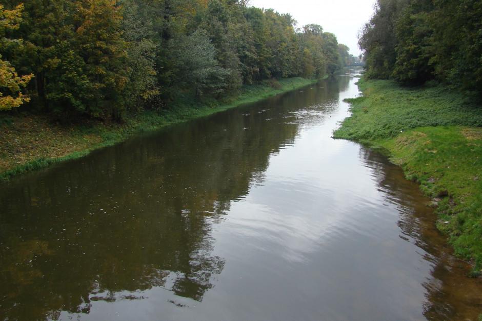 Kalisz: Ruszyła przebudowa wałów przeciwpowodziowych