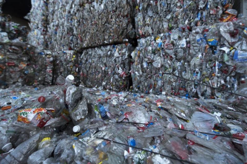 Kolejny urząd rezygnuje z plastiku