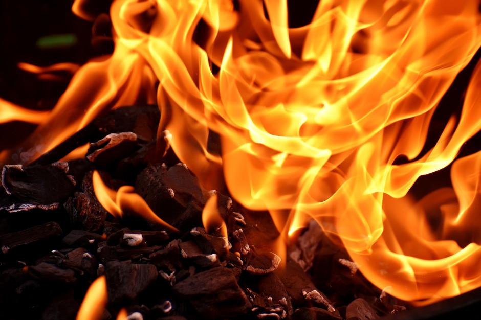 Warmińsko-mazurskie: Pożar dachu szkoły w Barczewku; ewakuowano uczniów