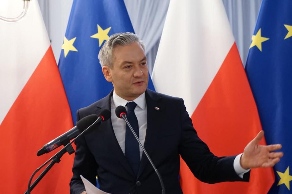 Robert Biedroń: Samorządowcy zbyt często płacą za złe pomysły władz centralnych