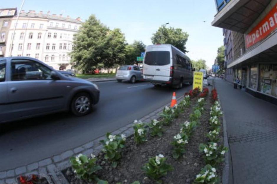 Radni Krakowa chcą uzależnić opłaty dla przewoźników od emisyjności taboru. Ale czy mogą?
