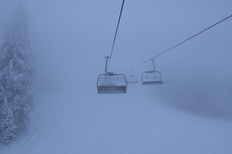 Tatry: Niebezpiecznie w górach. Huraganowy wiatr osiąga do 105 km na godzinę