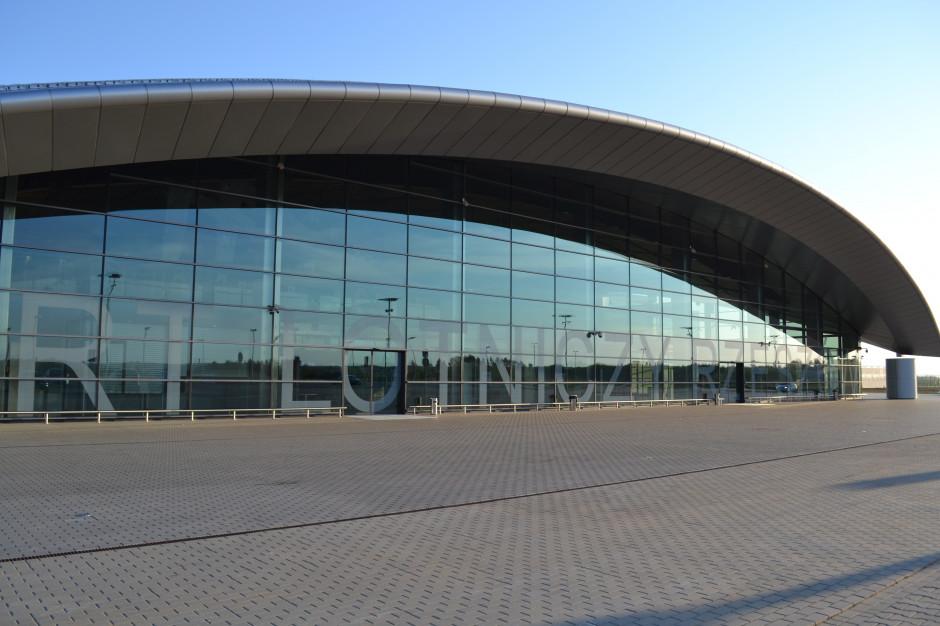 Silny wiatr: Lotnisko w Jasionce odwołuje loty