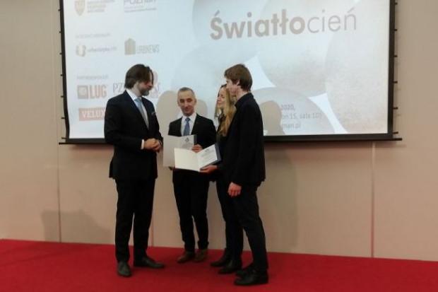 Nagrodę przyznano Koninowi za zagospodarowanie otoczenia Konińskiego Słupa Drogowego (fot. mat. UM Konin)